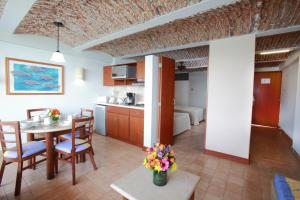 Superior Suite with Kitchenette - Ocean View