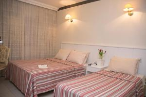 Triple Room with 1 Double bed and 1 Single Bed