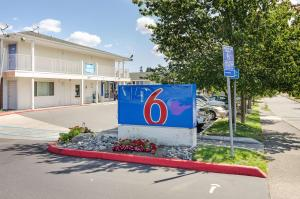 Motel 6 Tacoma South, Hotels  Tacoma - big - 61