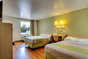 Double Room with Two Queen Beds - Disability Access