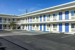 Motel 6 Phoenix Airport - 24th Street, Hotels  Phoenix - big - 56