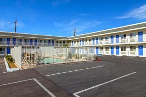 Motel 6 Phoenix Airport - 24th Street, Hotels  Phoenix - big - 55