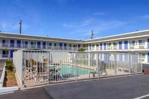 Motel 6 Phoenix Airport - 24th Street, Hotels  Phoenix - big - 54