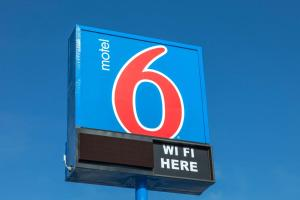 Motel 6 Phoenix Airport - 24th Street, Hotels  Phoenix - big - 49