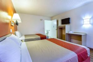 Motel 6 Phoenix Airport - 24th Street, Hotels  Phoenix - big - 40