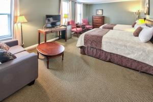 Deluxe room with dinner inclusive