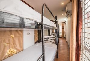 Two Beds in 6-Bed Mixed Dormitory Room (Rate for 2 Adults only).
