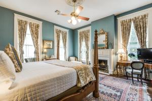 Deluxe King Room - Oge House on the Riverwalk
