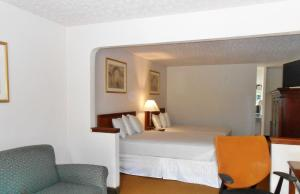 Double Suite with Two Double Beds Non-Smoking
