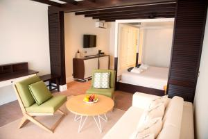 Junior Suite (3 Adults + 1 Child)