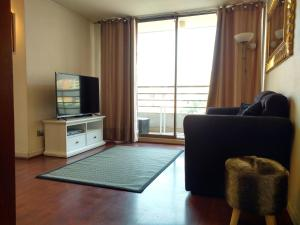 Apartment with Balcony - Flores 409
