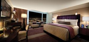 Deluxe King Room - Two Complimentary Breakfast or Lunch Buffets per night