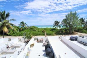 Beach Front Townhouse 9