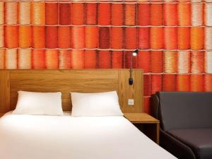 Standard Suite with Double bed and Sofa