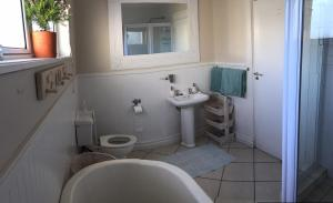 Twin Room with External Bathroom