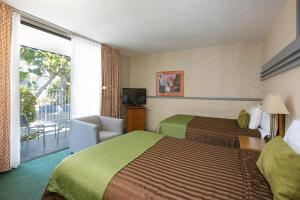 Room with Two Double Beds - Pool Area