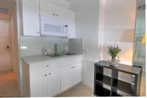 Premium Studio Apartment with city and ocean view