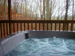 Honeymoon Hideaway Home, Case vacanze  Maple Springs - big - 10