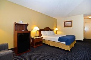 """Best Western Yadkin Valley Inn & Suites"""