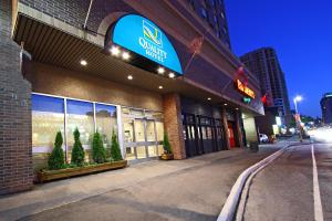 Photo of Quality Hotel Ottawa