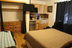 Single Room with Kitchenette