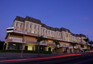 Photo of Best Western Plus San Pedro Hotel & Suites