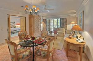 Parlor Suite Free WiFi & Child