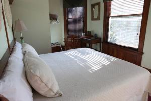 King Suite with Private Bathroom