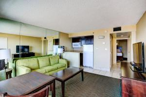 Deluxe One-Bedroom Suite - Oceanfront