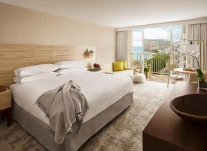 NEW Renovated  King Room with Ocean View