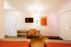 Motel 6 Reno West, Отели  Рено - big - 50