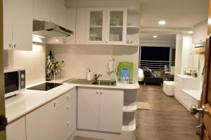 Sandy Beach Condo 15E, Appartamenti  Petchaburi - big - 48
