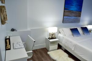 Sandy Beach Condo 15E, Appartamenti  Petchaburi - big - 24