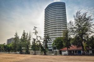 Sandy Beach Condo 15E, Appartamenti  Petchaburi - big - 8