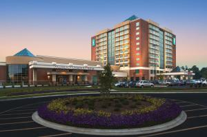 Embassy Suites Charlotte - Concord/Golf Resort & Spa, Hotely  Concord - big - 1