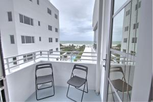 Executive Studio Apartment with Balcony and Ocean View