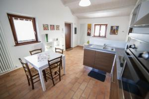 Country House Ca' Brunello, Holiday homes  Urbino - big - 23