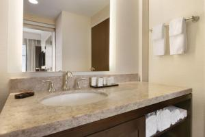 One-Bedroom Queen Suite - Hearing Accessible