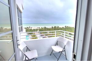 Presidential Studio Apartment with Balcony and Ocean View