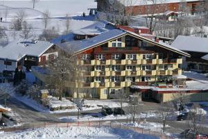 Apparthotel Tom Sojer - Ellmau - Exterior - Winter