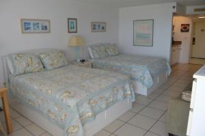 Queen Room with Two Queen Beds - Ocean View