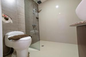 ZEN Rooms Makati Amorsolo, Hotely  Manila - big - 20