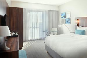 Premium King Room with City View