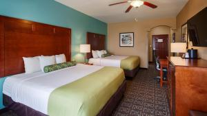 King Room with Two King Beds - Disability Access/Non-Smoking