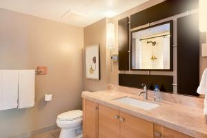 Two-Bedroom Suite on the 33rd floor (6 adults)