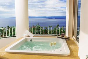 Master Suite with Bay View
