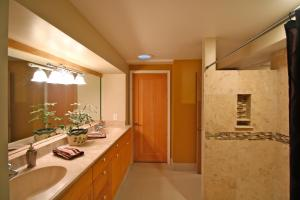 Anam Cara 6 - Bunk Room with Private Bathroom