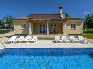 Holiday home Villa Mikela, Case vacanze  Tinjan - big - 32