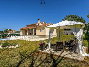 Holiday home Villa Mikela, Case vacanze  Tinjan - big - 33