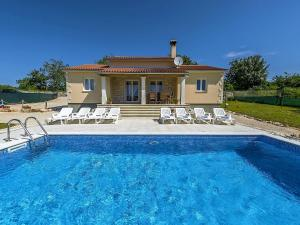 Holiday home Villa Mikela, Case vacanze  Tinjan - big - 4